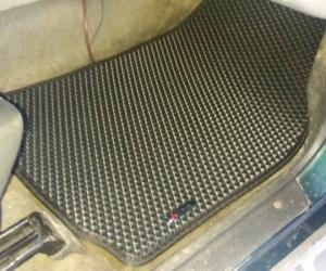 Автомобильные коврики Mitsubishi Pajero Sport I (1998 - 2008)